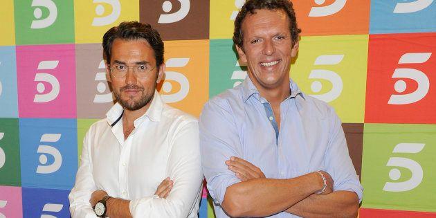 Los presentadores Màxim Huerta y Joaquín Prat, durante el fin de temporada de 'El programa de Ana Rosa'...