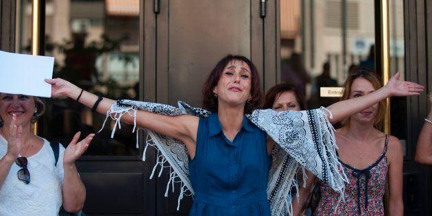 Se suspende el juicio de Juana Rivas al abandonar su abogado tras una discusión con el