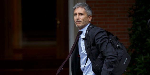 Grande-Marlaska anuncia como prioridad retirar las concertinas de las vallas de Ceuta y