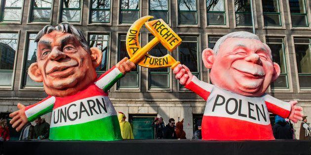 Muñecos de Orban y