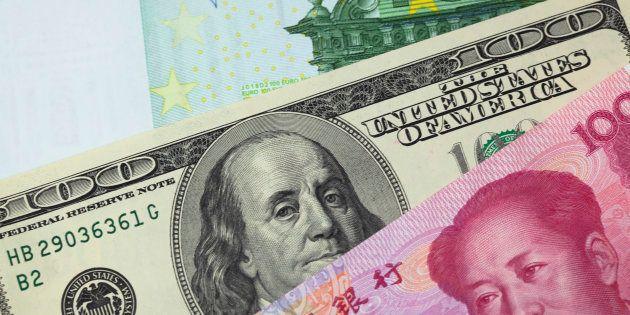 Euros, dólares, yuanes... Las divisas que mueven el