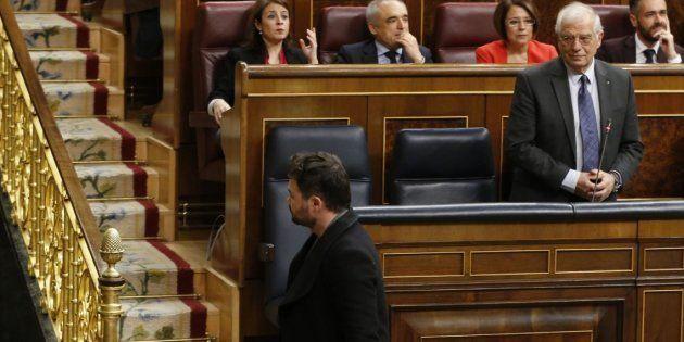 Josep Borrell y Gabriel Rufián en el