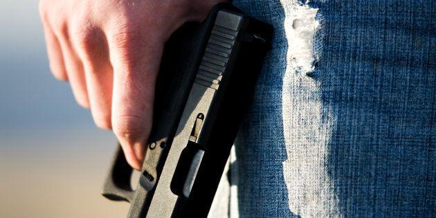 Muere una mujer por un disparo en