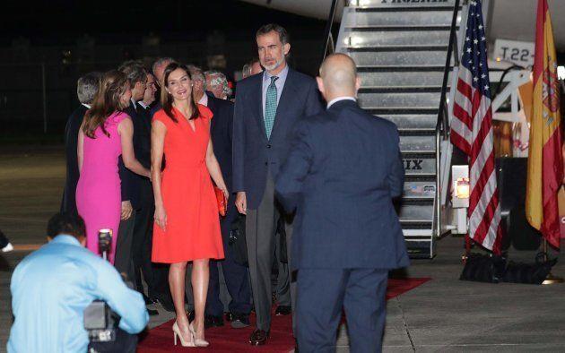 La animadísima bienvenida a los reyes Felipe y Letizia en Nueva