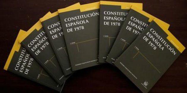 Constitución y otros libros de