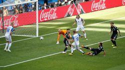 Los argentinos sacan su ingenio contra su portero tras el gol de
