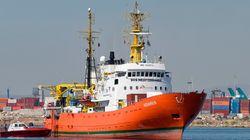 Las imágenes de la llegada de los migrantes del Aquarius al puerto de