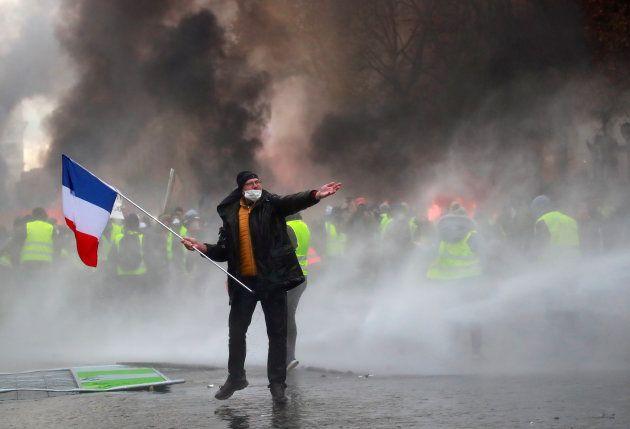 Al menos 130 detenidos en Francia por los incidentes en las manifestaciones contra el alza de los
