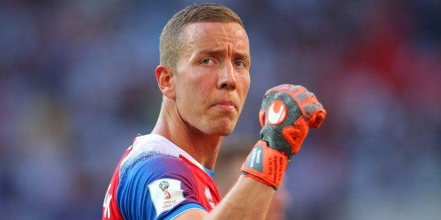 Hannes Halldórsson, durante el partido de Islandia ante