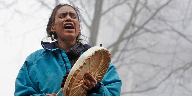 Una indígena canadiense, durante una protesta en