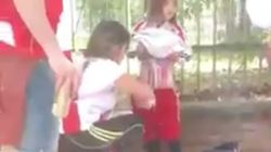 Detienen a una mujer que adhirió bengalas en un niño para meterlas en un estadio de