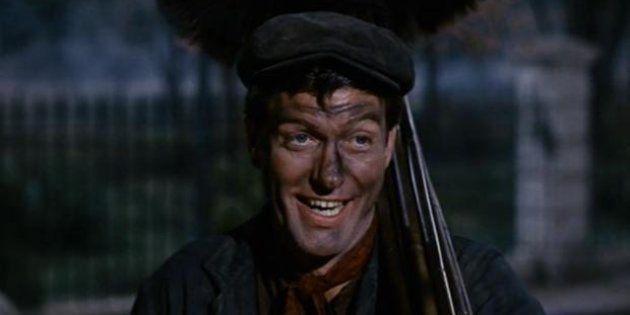 Dick Van Dyke, el deshollinador de 'Mary Poppins', pagó a Walt Disney por un papel en la