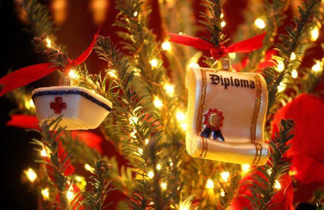 Detalle de los adornos navideños de este