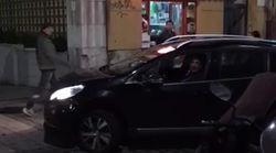 Miguel Ángel Revilla toma una calle de Santander en dirección prohibida y discute con varios