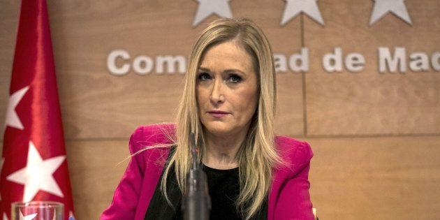 La presidenta de la Comunidad de Madrid, Cristina Cifuentes, durante una rueda de prensa. EFE/Santi