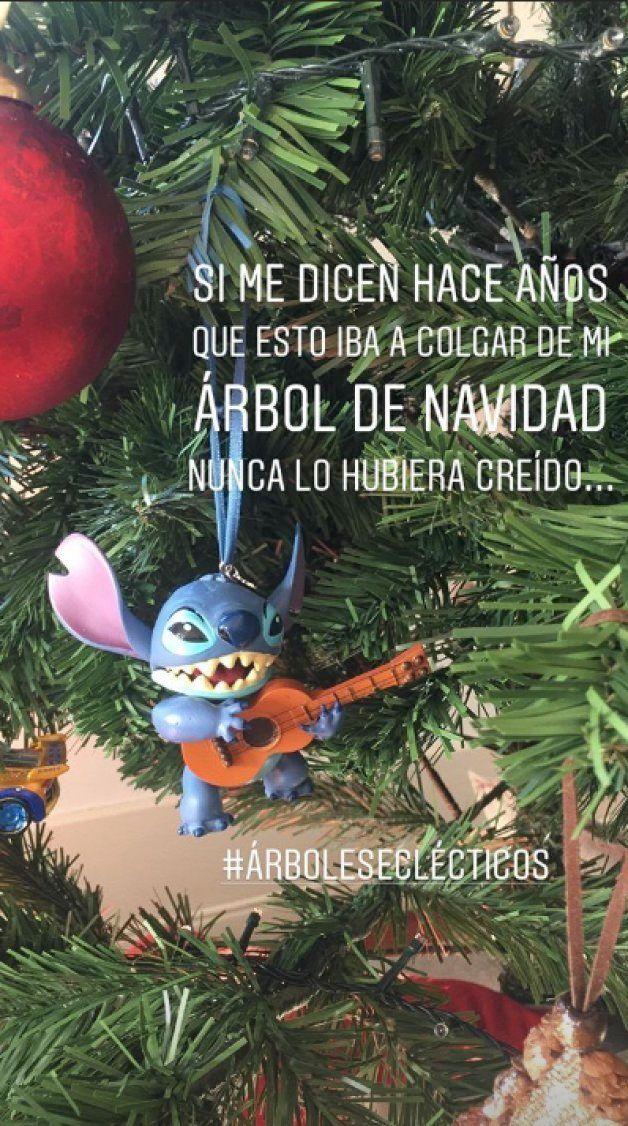 Sara Carbonero alucina con el adorno que ha tenido que colgar en su árbol de