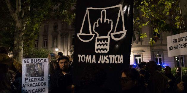 Manifestación a las puertas del Supremo tras el cambio de