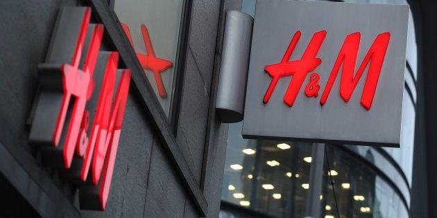 H&M pide perdón por no dejar probar un bañador a una joven