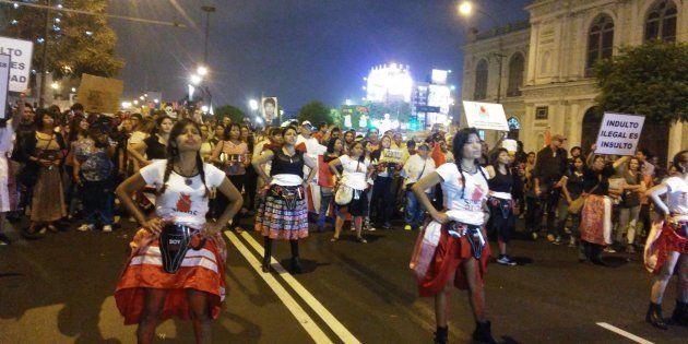 Manifestación en Lima (Perú) el 28 de diciembre contra el presidente Kuczynski por el indulto a Alberto