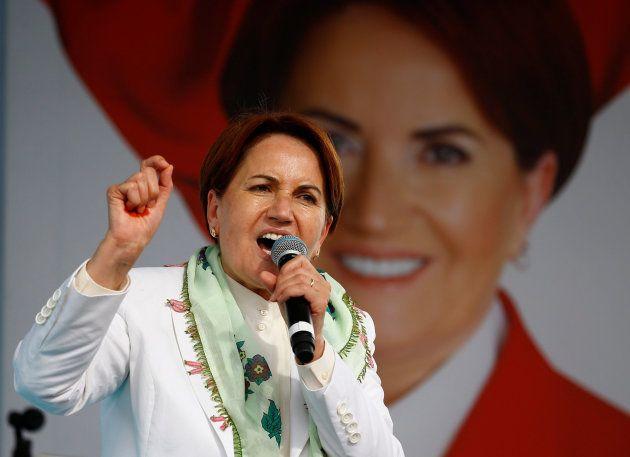 La candidata y líder del partido IYI, Meral
