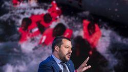 """Salvini deja en el mar otro barco con 224 inmigrantes a los que llama """"carne"""