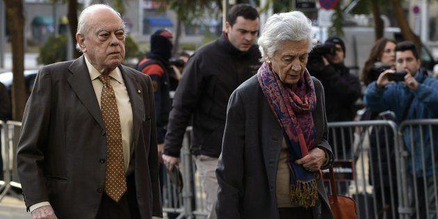 El expresident de la Generalitat Jordi Pujol y su esposa Marta Ferrusola. LLUIS GENE/AFP/Getty
