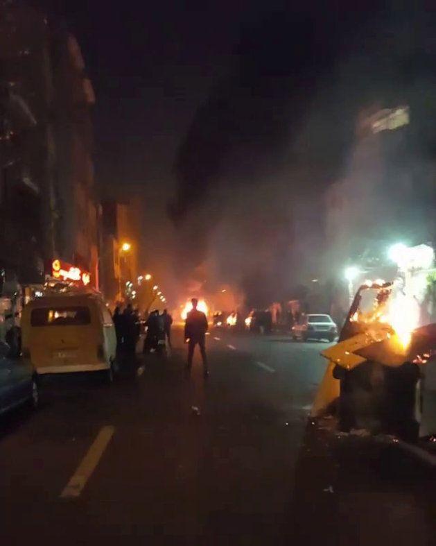 Protestas contra el Gobierno durante la noche del 30 de diciembre en
