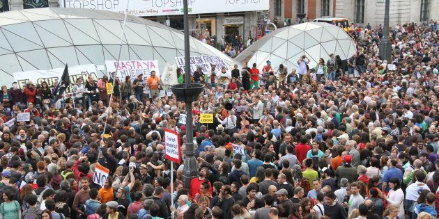 Miles de personas llenan la Puerta del Sol en el quinto aniversario del Movimiento 15-M en la Puerta...