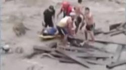 Cinco ahogados y decenas de desaparecidos al derrumbarse un puente en
