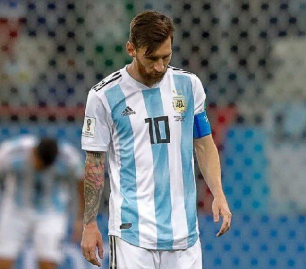 Cachondeo en Twitter por un detalle en esta foto de Leo Messi frente a