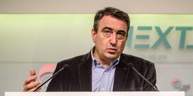 El portavoz del PNV en el Congreso, Aitor Esteban, comparece en una rueda de prensa en Bilbao. EFE/ Javier