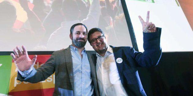 El presidente de Vox, Santiago Abascal, y el candidato a la presidencia de la Junta de Andalucía, Francisco...