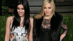 La hija de Madonna presume de axilas sin depilar en la foto familiar de Fin de