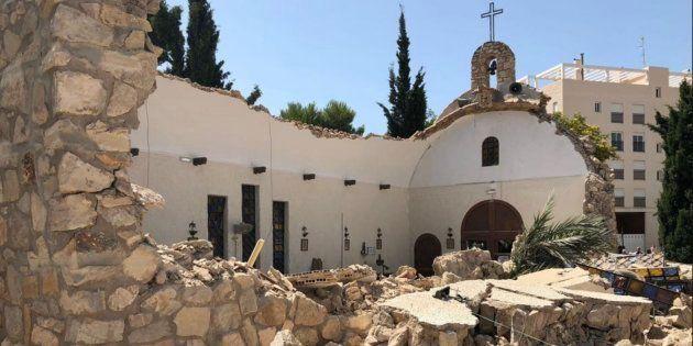 Se derrumba una iglesia de El Campello, Alicante, poco después de una