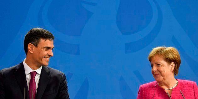 El presidente español, Pedro Sánchez, y la canciller alemana, Angela Merkel, este
