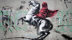 Banksy reaparece en París con seis grafitis de apoyo a los