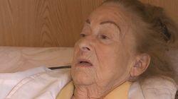 La mujer de 99 años desahuciada en Pozuelo ingresa en el hospital con síntomas de