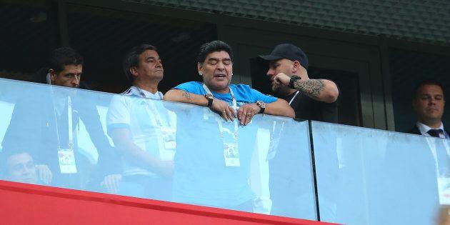 Lluvia de críticas a Maradona por este lamentable gesto durante el