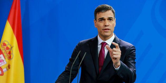 La Moncloa tuitea unas fotos de Sánchez que provocan confusión y muchas bromas en