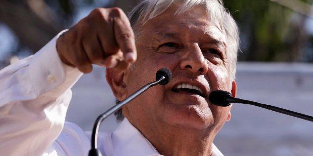 El representante de izquierdas Andrés Manuel López Obrador, del partido Movimiento Regeneración Nacional