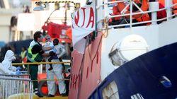 El Lifeline ya está en Malta: ocho países europeos se repartirán a los 230 inmigrantes a