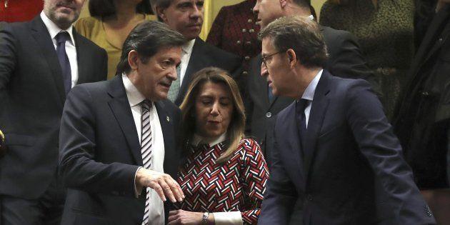 Susana Díaz, entre Javier Fernández y Alberto Nuñez-Feijóo, hoy en el