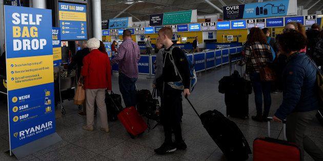 Los clientes de Ryanair no podrán llevar maleta de cabina sin pagar embarque