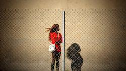 Cárcel para los proxenetas y multas para los puteros: así es el borrador de la ley contra la