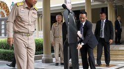 Incredulidad por lo que hizo el jefe de la junta militar de Tailandia para no responder a la