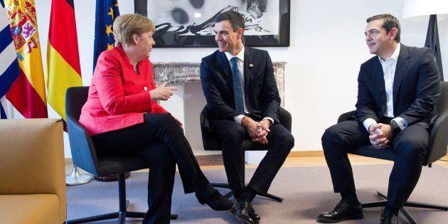 Merkel, Sánchez y Tsipras tras su