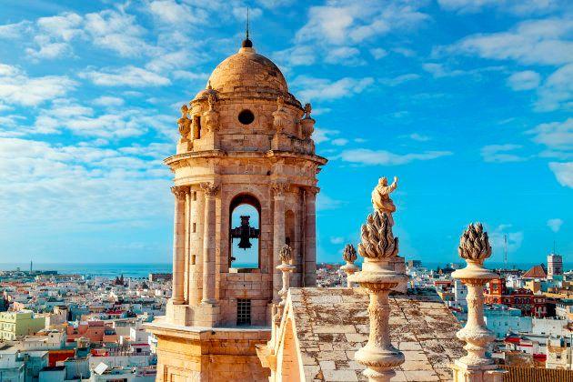 Nerja y Cádiz se cuelan en la lista de Destinos Emergentes de