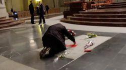 El artista que pintó la tumba de Franco, acusado de daños y desorden