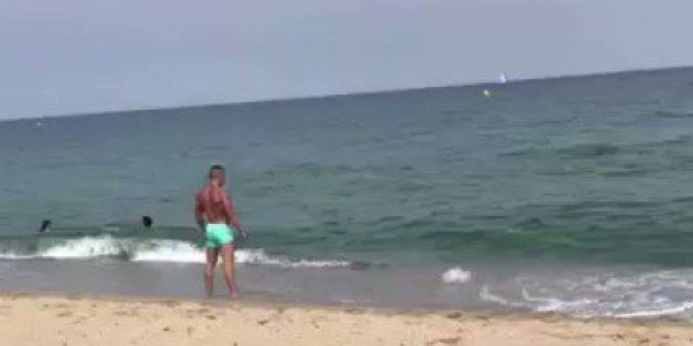 Estupefacción por lo que hace este hombre en una playa de El Puerto de Santa María
