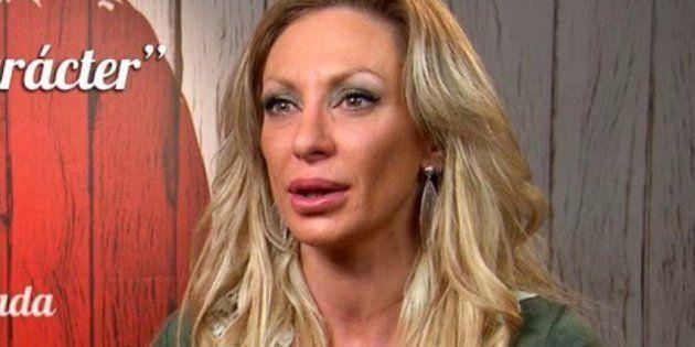 Esta mujer dice en 'First Dates' que tiene 36 años y se desatan las bromas en